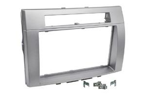 Rámeček 2DIN autorádia TOYOTA Corolla Verso (04-09) - stříbrná