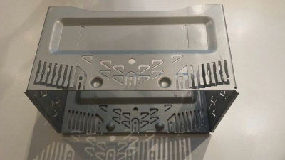 Kovový rámeček 2DIN autorádia ALPINE
