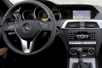 Rámeček autorádia 2DIN rádia Mercedes C-class [W204] (11-13)