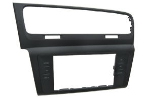 2DIN rámeček autorádia VW Golf VII. - plochý s tlačítky
